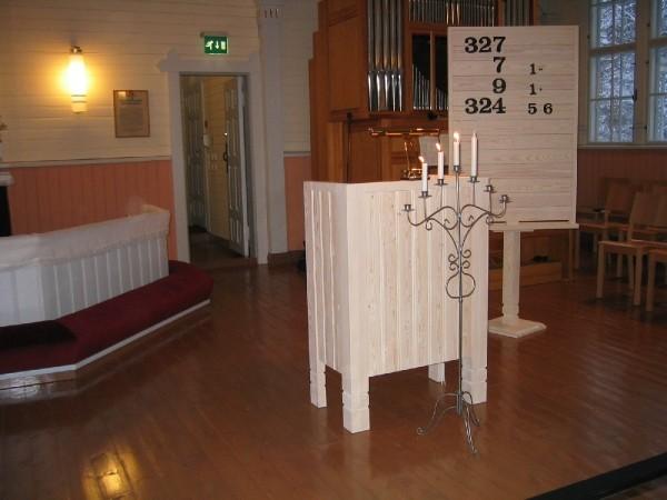 The altar in Pyhäntä Church